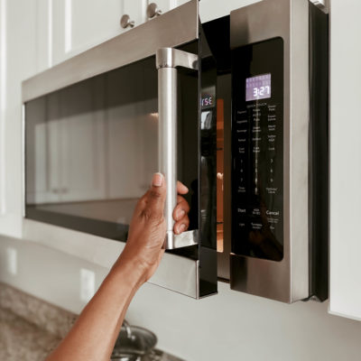 How to get the smell out of microwave oven?